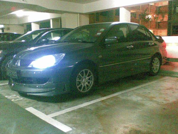 Old bodykit with 8000k HID